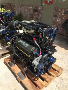 Mercury racing motor because one supercharger is never enough. Boat Engine, Truck Engine, Speed Boats, Power Boats, Ford Motor Company, Race Engines, Ford Racing Engines, Performance Engines, Motor Engine