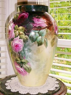 Wonderful Huge 16 DC Limoges vase with Roses from rememberedtreasures on Ruby Lane Fine Porcelain, Porcelain Ceramics, Painted Porcelain, Painted Vases, Hand Painted, Vintage Vases, China Painting, Antique China, Vases Decor
