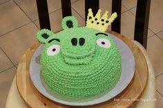 Green angry bird cake