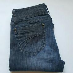 Dark washed skinny jeans size 3 Good condition. Slightly worn. 98% cotton.  2% spandex 32