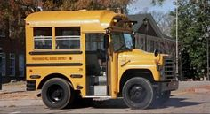 The REALLY short bus - and we all know someone who rode it :: 1988 International S-1700 Ward Volunteer