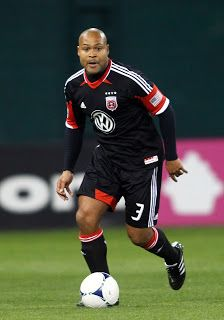 United re-sign defender Robbie Russell - Virginia Online Soccer News