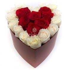 Cutie inima trandafiri rosii si albi, comanda online cutii cu trandafiri, cutii cu flori