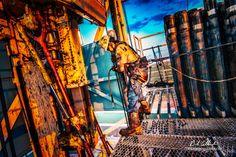 The Derreck Man Artist: Bob Callender - Bob Callender Fine Art Oilfield Man, Oilfield Trash, Oil Rig Jobs, Petroleum Engineering, Oil Platform, Drilling Rig, Oil Industry, Drone Photography, Oil And Gas