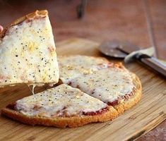Quinoa Pizza Crust (Vegan, Gluten-Free) - Oatmeal with a Fork Dairy Free Recipes, Whole Food Recipes, Vegetarian Recipes, Cooking Recipes, Healthy Recipes, Quinoa Pizza Crust, Vegan Pizza, Crust Pizza, Healthy Pizza