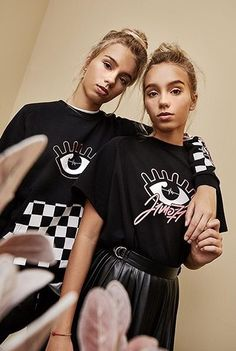 Lisa and Lena - J1mo71