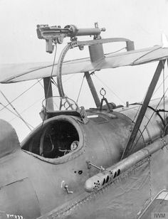 Unidentified aircraft of the First World War. Camera on Avro aircraft. World War One, First World, Fighter Aircraft, Fighter Jets, Air Festival, Vintage Airplanes, Vintage Ideas, Vintage Trends, Vintage Cups