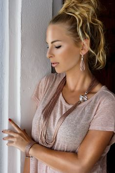 Discover our complete Llonga collection from SENSE OF IBIZA in lots of different colors and combinations. Sensual look guaranteed! Scarf Jewelry, Jewellery, Indian Summer, High Class, Ibiza, Different Colors, Jewelry Collection, Feminine, Drop Earrings