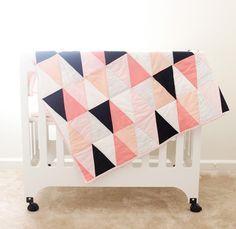 Un joli patchwork à réaliser aux motifs modernes et aux tons très girly
