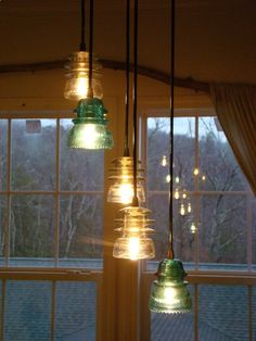 Decorating with Old Insulators | Found on myhomedecorho.me