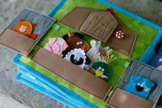 Barn page with felt Finger Puppets for custom built Quiet Book by TomToy, Fabric Busy book pages, Single page, mit Filz Fingerpuppen für benutzerdefinierte. Diy Quiet Books, Baby Quiet Book, Felt Quiet Books, Felt Finger Puppets, Quiet Book Patterns, Busy Book, Sewing For Kids, Toddler Activities, Indoor Activities