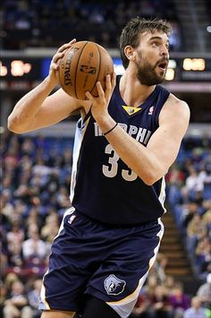 Marc Gasol es un jugador de basketbol y es un C de los Memphis Grizzlies. El es muy talentoso.