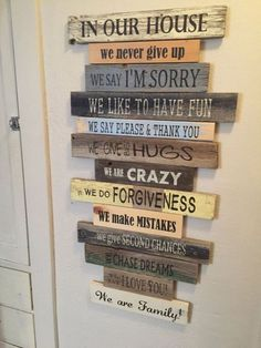 DIY Pallet Family Rules Sign NEW Family RulesIn Our HouseHouse Rules Sign! We Do and We Say.Made out of pallets reclaimed wood or what I have around The post DIY Pallet Family Rules Sign appeared first on Pallet Ideas. Arte Pallet, Pallet Art, Pallet Signs, Diy Pallet, Pallet Ideas, Pallet Crafts, Wood Crafts, Pallet Projects, Wooden Projects