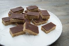 Raw Snickers Bar Two simple steps, low sugar, gluten, dairy, egg & fructose free, No bake, No dried, fruit Best guilt free way to satisfy a sweet tooth.