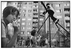 Benkő Imre: Részlet a Budapest Blues sorozatból, 2000 Telescope, Budapest, Blues, Retro, Photography, Artists, Pictures, Photograph, Fotografie