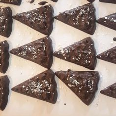 #Yum chocolate pizzas for days...#brandedbox for an event  Whatsapp Gail 0832694164 Email marketing@ontrendmarketing.co.za gail@ontrendmarketing.co.za   #edibles #promotionalproduct  #madeininjhb #jozi #ediblepromotions #edibles Chocolate Pizza, Email Marketing, Pudding, Candy, Desserts, Food, Pizza, Tailgate Desserts, Deserts