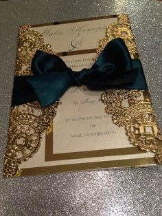 SAMPLE Metallic Doilies Wedding Invitation por InvitationsbyErin