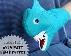 Tutorial: Oven Mitt Shark Puppet