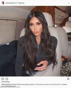 Kim Kardashian is one of the most beautiful and famous American celebrity who always live on social media. Check kim kardashian photos and HD Wallpapers of all time. Robert Kardashian, Khloe Kardashian, Estilo Kardashian, Kardashian Kollection, Kardashian Photos, Kim Kardashian Workout, Kardashian Fashion, Kim K Makeup, Hair Makeup