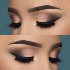 Smoky Eye Make-up mit Step by Step perfekt und in Minuten! The post Smoky Eye Make-up mit Step by Step perfekt und in Minuten! appeared first on Win Moda. Makeup Goals, Makeup Inspo, Makeup Inspiration, Makeup Ideas, Makeup Quiz, Makeup Tips, Nude Makeup, Skin Makeup, Makeup Brush