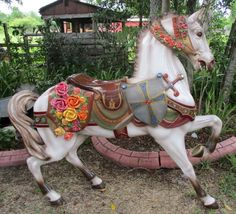 Dentzel Stander, Flowered Horse with Shield, Sword, Roached Mane, Jeweled Horse Head, Horse Art, Horse Swing, Carosel Horse, Painted Pony, Mandala, Merry Go Round, Gravure, Beautiful Horses