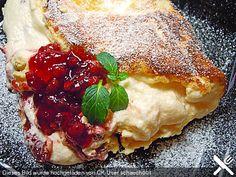 Schaumomelette mit Erdbeermarmelade