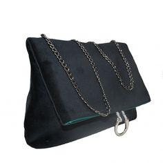 Colección Jackie terciopelo negro Madrid, Bags, Fashion, Black Velvet, Handmade Handbags, Fabrics, Fur, Handbags, Moda