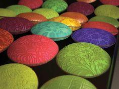 modélisation texture galet cuir - étude personnelle 3d Rendering, Easter Eggs, Texture, Products, Pebble Stone, Leather, Surface Finish, Gadget, Patterns