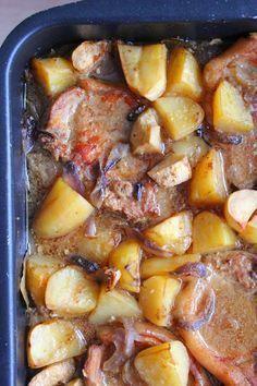 Yhden astian porsaankyljykset lisukkeineen Pork Recipes, Cooking Recipes, Healthy Recipes, Good Food, Yummy Food, Salty Foods, Food Tasting, Food And Drink, Tasty