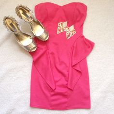 Pink strapless bodycon dress homecoming formal Sexy pink strapless bodycon dress! Size medium. Perfect dress for a night out! Does have a small pull on the back of dress. NOT Sherri Hill! Smoke and pet free home. Make an OFFER today! Happy Poshing!  Sherri Hill Dresses Strapless