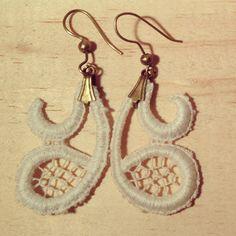 Brincos de renda - earrings FIGA  + infos: www.facebook.com/figasp