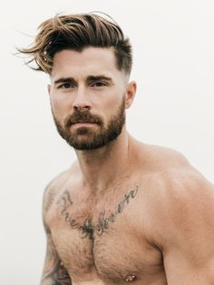 The short boxed beard adds the sexy to everyday handsome 💙 Moustaches, Hairy Men, Bearded Men, Kyle Krieger, Beard Tattoo, Hair And Beard Styles, Men's Grooming, Good Looking Men, Haircuts For Men