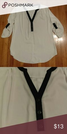 New York and Company Blouse White and black New York & Company Tops Blouses