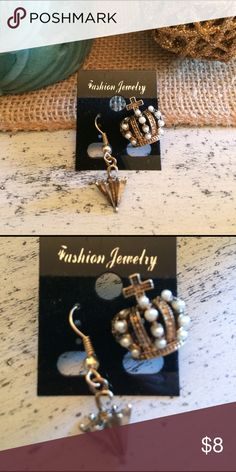 NWT Statement Mismatch Earrings Pearl encrusted crown. Dangly umbrella earrings. Burnished gold finish. Very detailed. Makes a statement. Unique statement earrings. Not topshop but similar style. Topshop Jewelry Earrings