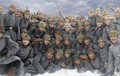 German soldiers of the Infantry Regiment posing for a photograph in the snow, ca. World War One, First World, Colorized History, Ww1 Photos, Ww1 Pictures, Warring States Period, War Photography, German Army, Military History