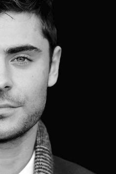 Zac Efron, my goodness dat boys eyes High School Musical, Beautiful Boys, Gorgeous Men, Zac Efron Wallpaper, Zec Efron, Foto Top, The Greatest Showman, Celebrity Portraits, Celebs