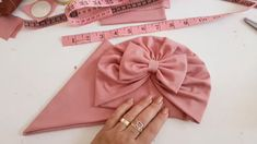 Diy Baby Headbands, Diy Hair Bows, Diy Headband, Diy Bow, Baby Bows, Baby Headband Tutorial, Baby Turban, Baby Sewing Projects, Diy Hair Accessories