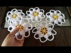 How to Make Crochet Look Like Knitting (the Waistcoat Stitch) - Baho Baba Crochet Flower Tutorial, Crochet Flower Patterns, Crochet Blanket Patterns, Crochet Flowers, Knitting Patterns, Gilet Crochet, Crochet Motifs, Crochet Stitches, Crochet Doilies