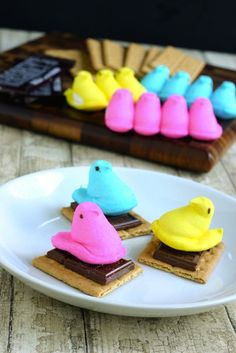 Use Peeps to make these colorful s'mores.