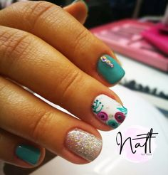Pin de fer obando en uñas en 2019 nails, pretty nails y gel nails. Diva Nails, Glam Nails, Fancy Nails, Beauty Nails, Pretty Nails, Glitter Gel Nails, Shellac Nails, Nail Manicure, Toe Nails