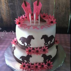 Horse cake - Inspiration for Averi's cake Cupcakes, Cupcake Cakes, Cupcake Ideas, Beautiful Cakes, Amazing Cakes, Cowgirl Cakes, First Communion Cakes, Paris Cakes, Horse Cake