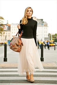 Black fitted turtleneck + Blush tulle + Nude flats. Lovely.