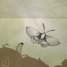 #unabellagiornata 279/365  #inktober2017   giorno 7 Paysandisia- ...del sopportare qualche bruco pre poter vedere le farfalle... #inktober  #inktoberaduntratto #passoasei #insetti #sketchbook #shadow #burrerfly
