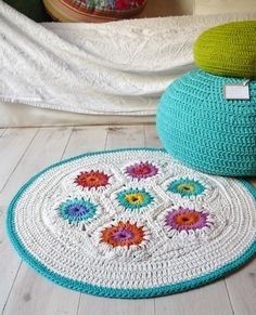 Items similar to Crochet rug-Granny Square on Etsy Crochet Diy, Crochet Home, Love Crochet, Crochet Granny, Learn To Crochet, Crochet Crafts, Yarn Crafts, Crochet Projects, Crochet Rugs