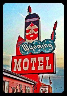 grenadeparty:    Wyoming Motel