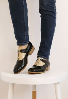 ON SALE 30 % NEW Womens black and craem patent by ADIKILAV