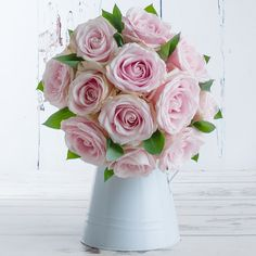 How beautiful are these luxury avalanche roses? Our Bubblegum Pink Roses also comes with a free box of yummy chocolates! Valentines Flowers, Valentines Day, Flowers Delivered, Free Boxes, Bubblegum Pink, Bubble Gum, How Beautiful, Pink Roses, Floral Wreath