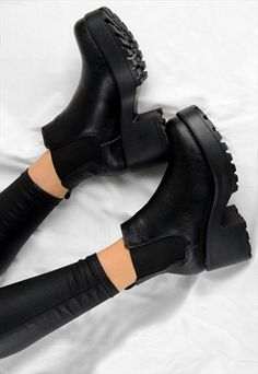 b988a5db4ad AVA CHUNKY GRIP HEEL BIKER STYLE CHELSEA ANKLE BOOTS BLACK Black Ankle  Boots Outfit
