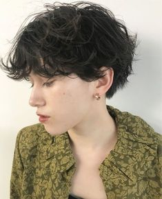 Haircut 2018 Femme New Ideas Short Curly Haircuts, Permed Hairstyles, Pretty Hairstyles, Short Hair Cuts, Oval Face Hairstyles, Cut My Hair, New Hair, Hair Inspo, Hair Inspiration