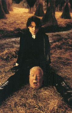 ImageFind images and videos about johnny depp, head and tim burton on We Heart It - the app to get lost in what you love. Sleepy Hollow Movie, Legend Of Sleepy Hollow, Sleepy Hollow Johnny Depp, Sleepy Hollow Tim Burton, Young Johnny Depp, Johnny Depp Movies, Here's Johnny, Marlon Brando, Scary Movies